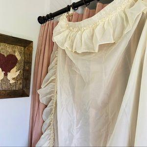 Vintage Accents - Vtg Cottage Core Curtain Panels